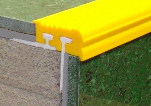 Закладной угол с двумя закладными элементами «Не Скользко»