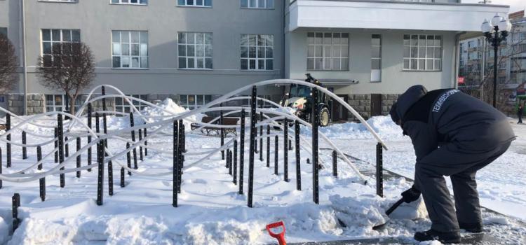 Работы по благоустройству в сквере имени А.С. Попова, Писателей Урала в Екатеринбурге